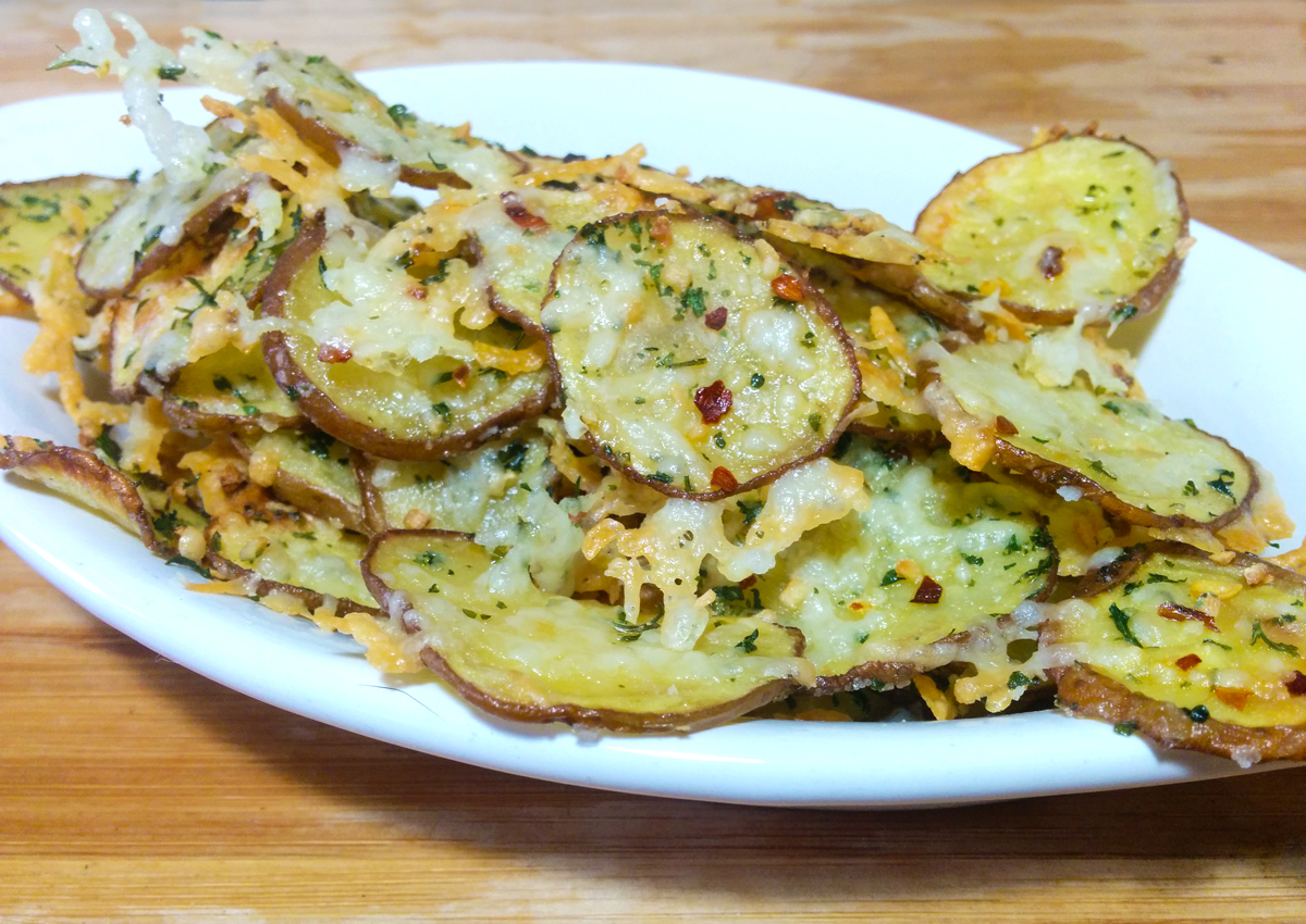 Baked Parmesan Garlic Potato Chips Recipe by Culinarie Kit, the cooking gift box from home chefs
