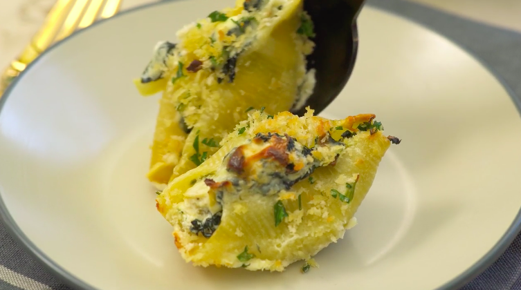Spinach and Artichoke Stuffed Pasta Shells